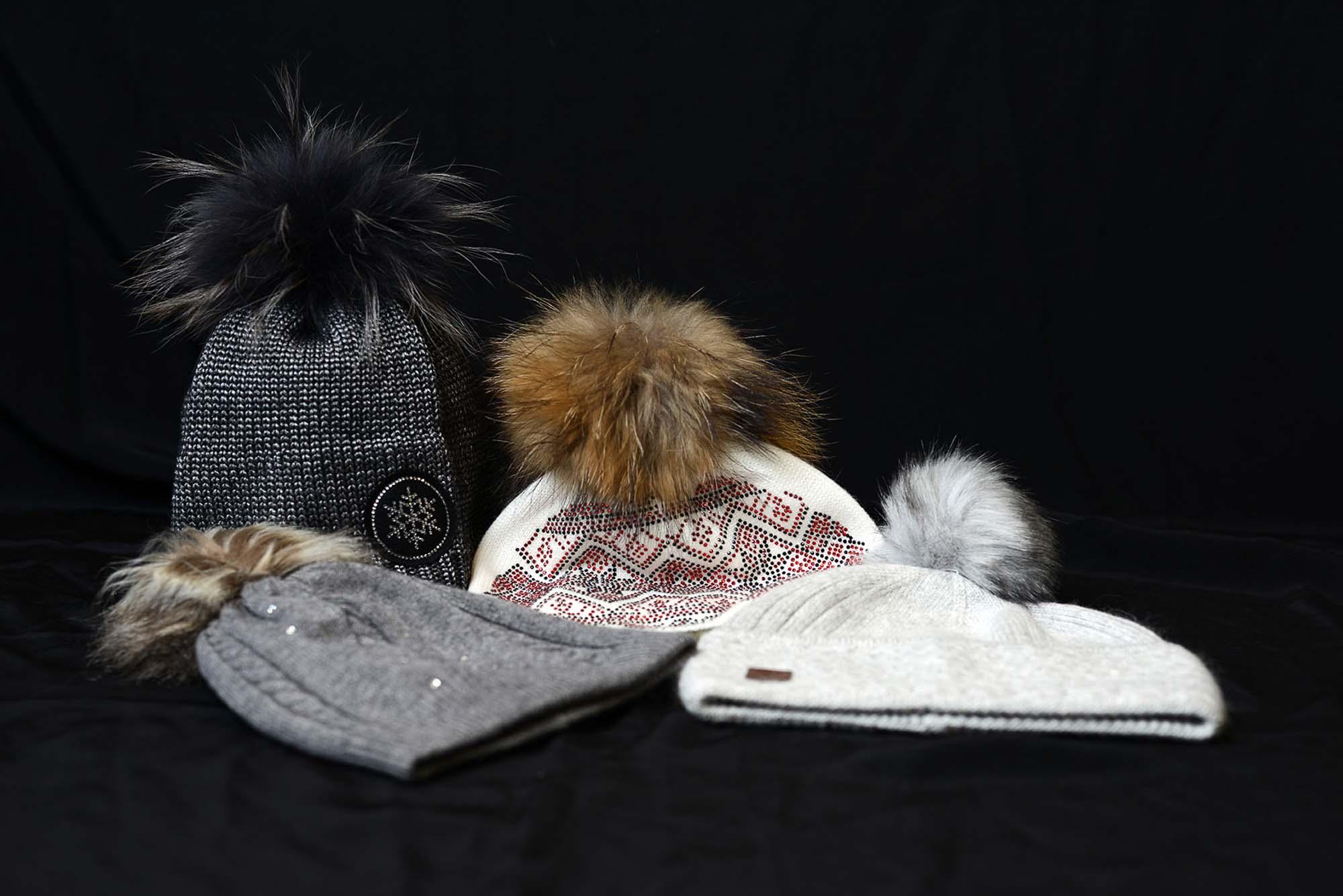 4 bonnets